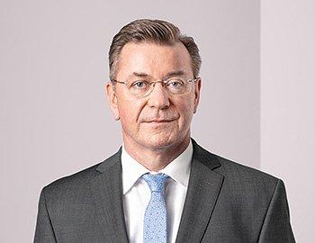 Dr. Herbert Lang